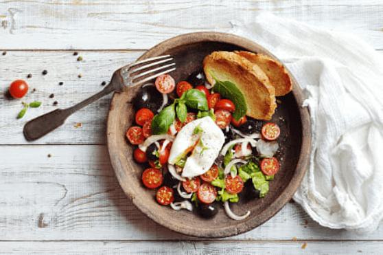 قائمة بأحسن أطعمة السوبر فود المفيدة لجسم الإنسان