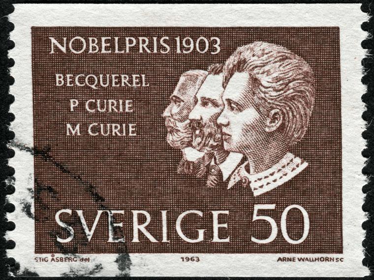 حصول ماري كوري على جائزة نوبل في الفيزياء سنة 1903