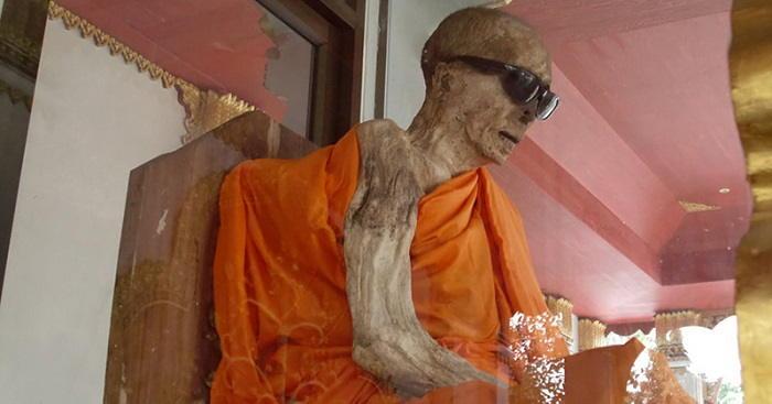 طقوس السوكوشينبوتسو اليابانية : تحنيط الرهبان البوذيين وهم على قيد الحياة