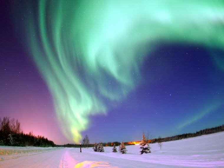 ظاهرة الشفق القطبي : عندما تبدع يد الطبيعة