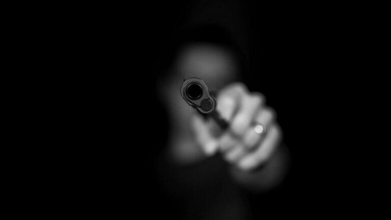 علم النفس الجنائي : دراسة عقلية المجرمين وشخصياتهم